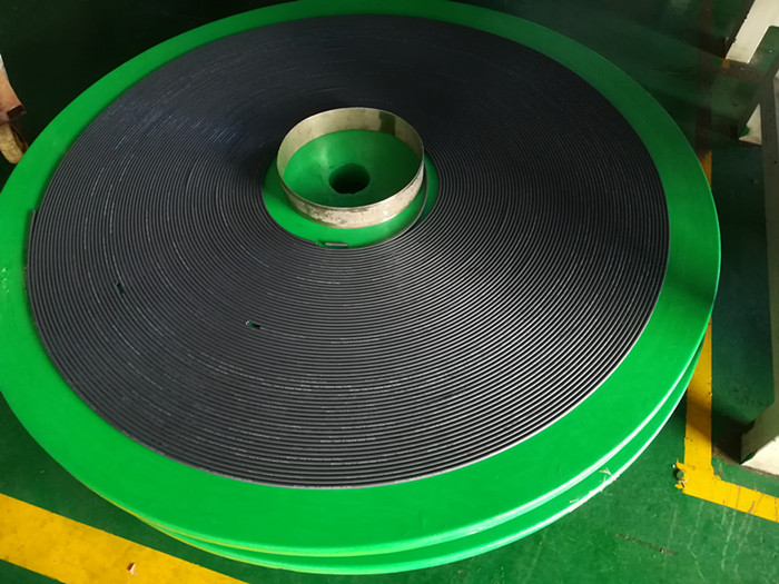 rubber fuel hose with white remark